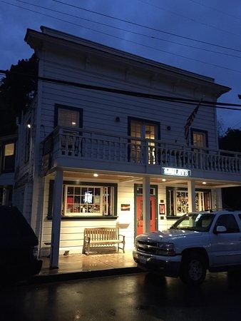 Bolinas, CA: Smiley's Schooner Saloon and Hotel