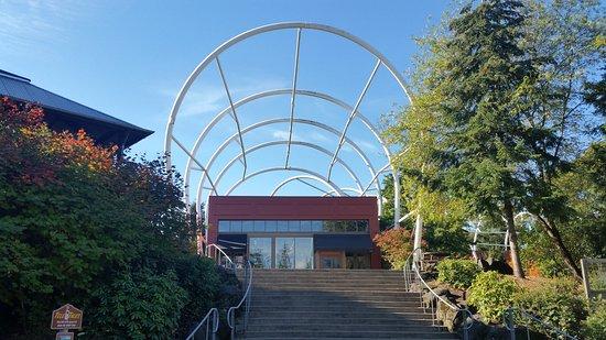 Oregon City, Oregon: End of the Oregon Trail Interpretive Center