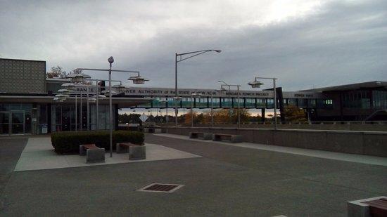 Lewiston, NY: Passarela já dentro do power vista