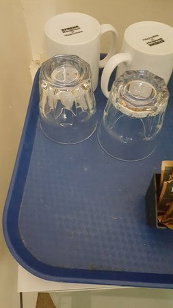 Blue Pacific Swansea: Filthy tray, glasses & mug.