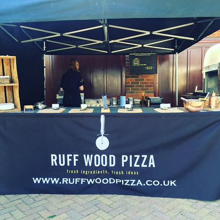 Chipperfield, UK: Fresh Wood fired catering for events