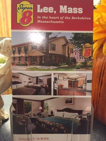 Super 8 Lee/Berkshires/Outlet Area: Advertising postcard, Super 8 Lee, Mass.