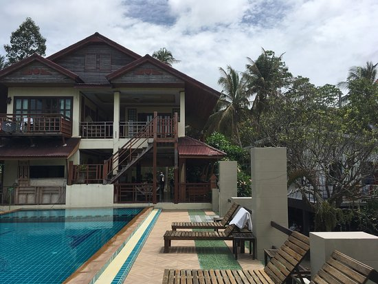 photo2.jpg - Picture of Hut Sun Bungalows ae874fe563a