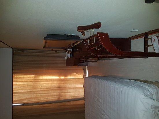 Todays International Hotel: 20161014_152513_large.jpg