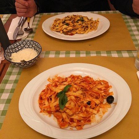 La Bottega Del Vino: Molto buono, cucina simplicita et delicioso! 🇮🇹🍽🍝