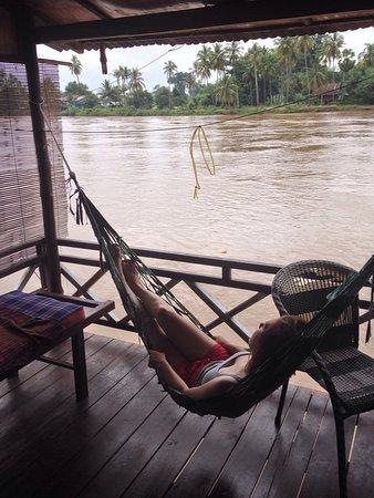 Don Khone, Laos: Balkon am Mekong mit Ausblick nach Don Det