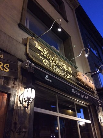 Photo of American Restaurant Auld Spot Pub at 347 Danforth Avenue, Toronto M4K 1N7, Canada