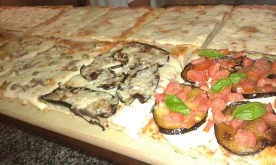 Portoscuso, İtalya: Pizza classica, PINSA ROMANA e Pizza al taglio.