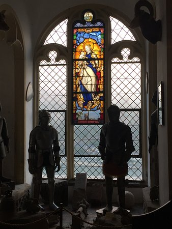 Trechtingshausen, Германия: Knights and Stain Glass