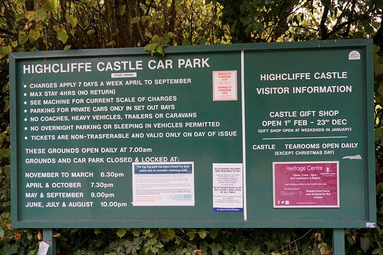 Highcliffe, UK: car park signpost with timings