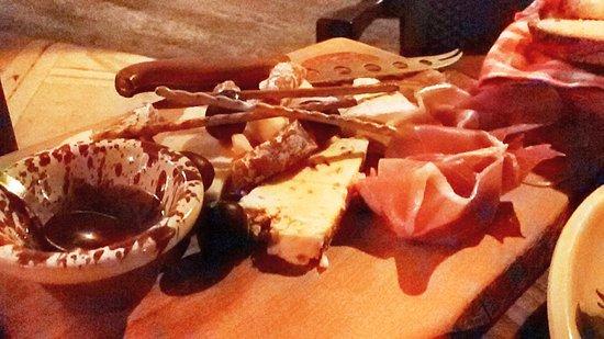 Mgarr, Malta: Cheese and ham platter !