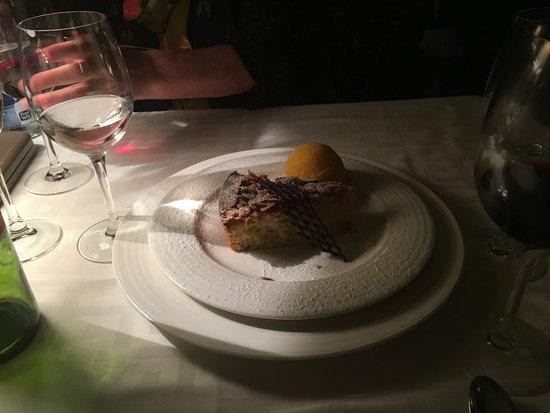 La Scala: Almond tart with mandarin sorbet