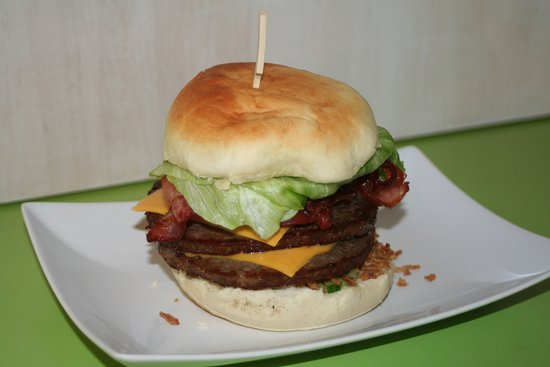 Gersfeld, เยอรมนี: Unser Größter.. :-) Richi's XXL Burger