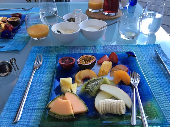Breakfast on the Beach Lodge: This was just the first course!