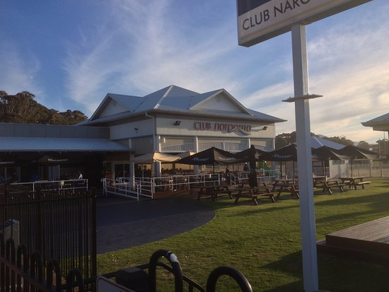 Narooma, Australia: The club has multiple seating options