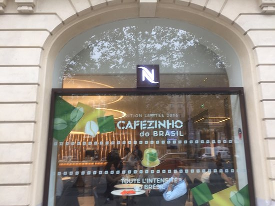 coloquem funcionarios picture of nespresso boutique paris tripadvisor. Black Bedroom Furniture Sets. Home Design Ideas