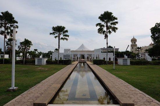 Kuala Terengganu, Malaisie : 1476363661099_large.jpg