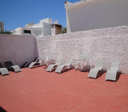 The SmallEast Hotel: solarium para tomar sol
