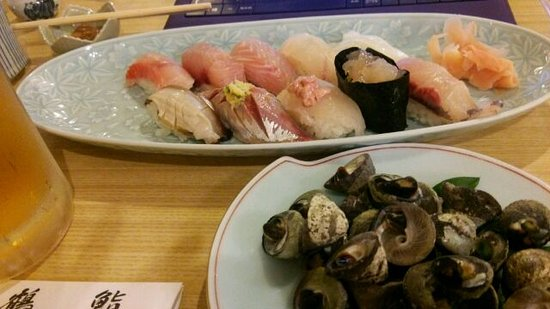 Tsuruzushi: その時のお勧めの寿司と貝