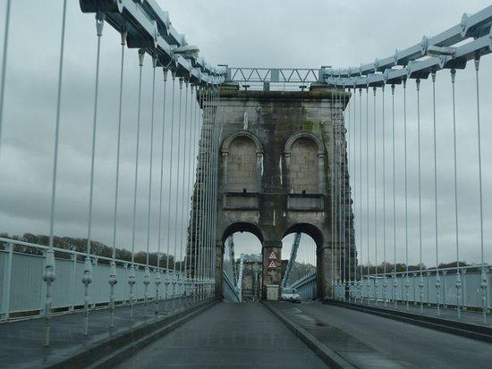 Menai Bridge, UK: Support gate of bridge
