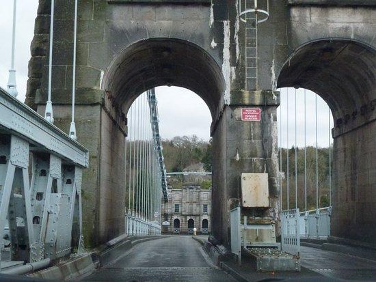 Menai Bridge, UK: End of bridge