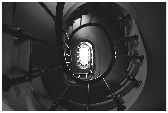Hotel du Champ de Mars: Incredible Spiral Staircase inside the hotel.