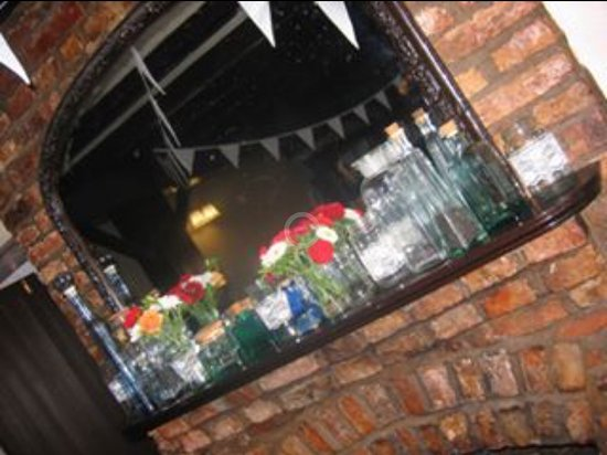 Driffield, UK: Celebrations at The Black Swan #vintage #bunting