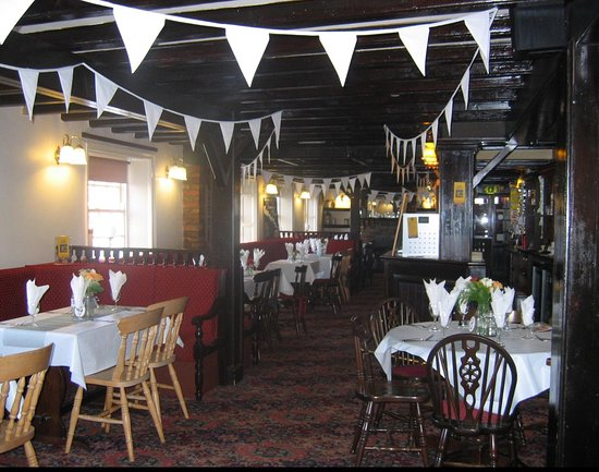 Driffield, UK: Celebrations at The Black Swan #bunting #retro #vintage