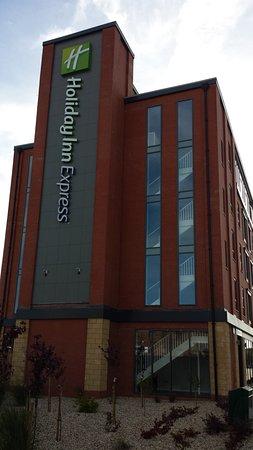 HI Express Grimsby - External view