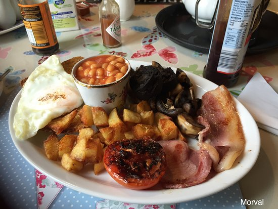 Morval, UK: Massive and lovely breakfast