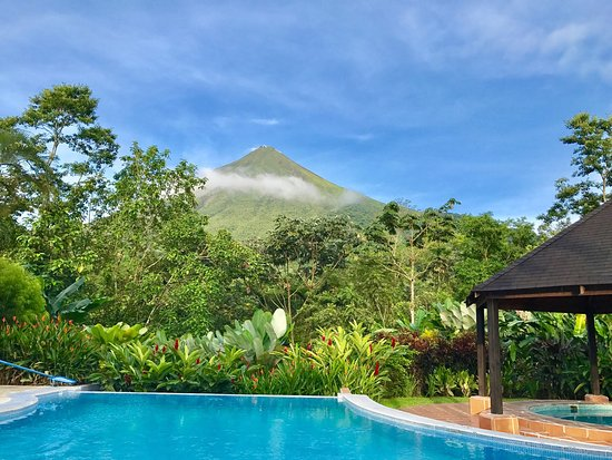 Hotel Lomas del Volcan: View from the Restaurant and swimming pool ! Amazing