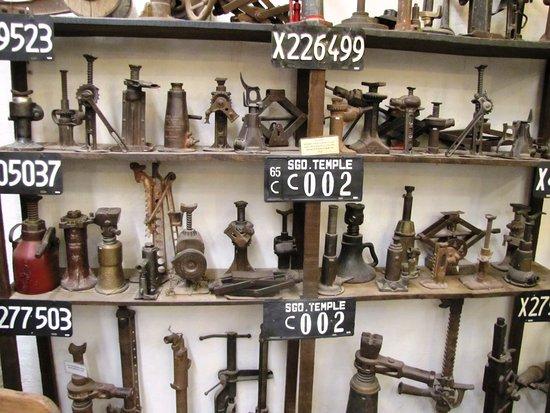 Piezas y herramientas. Museo Rocsen. Nono, Córdoba.