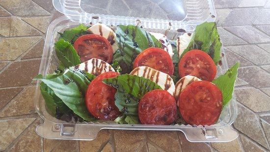 Niantic, Κονέκτικατ: Amazing Caprese Salad!!