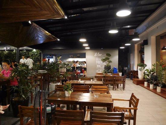 ORCHID HOTEL: Coffe-Shop S Line (3 min de l'hôtel)