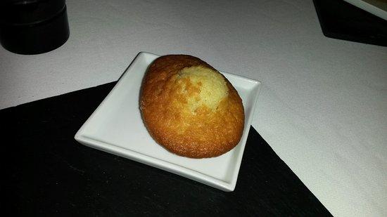 Dury, Francia: Supplément au dessert (madeleine maison)