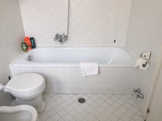 Hotel La Rosetta: Questo è il bagno di cui ho parlato nella mia recensione
