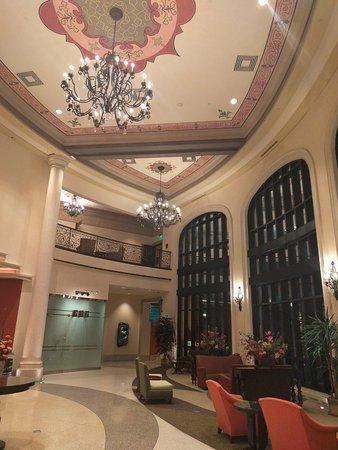 Riverside, MO: Argosy Lobby
