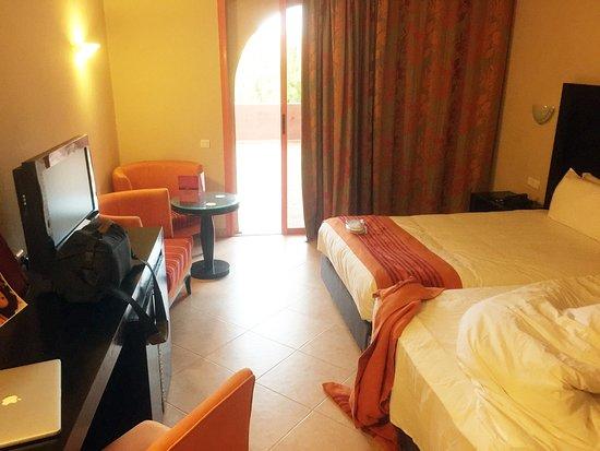 Palm Plaza Marrakech Hotel & Spa: Ordentliche, saubere Zimmer mit guten Betten.