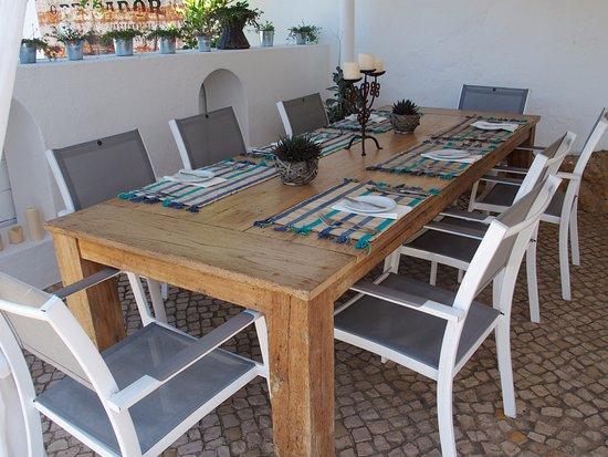 table extérieure - picture of o pescador benagil, carvoeiro