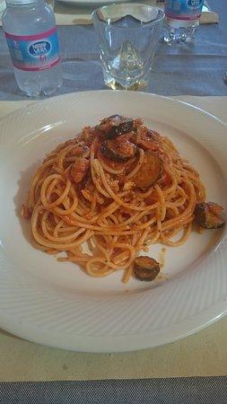 Veneto, Itália: Spaghetti vongole e zucchine