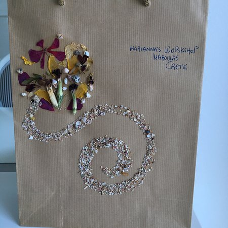 Marianna's Workshop: Cute bag provided for the products bought
