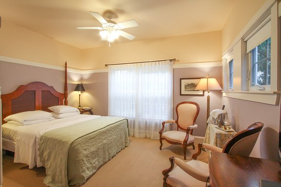 Beach Spa Bed and Breakfast: Waverly Suite