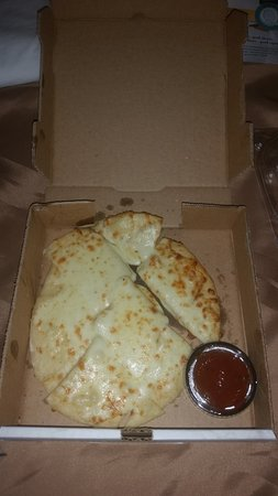 Turtlelini's Pizza and Pasta: Cheese Bread - Decent