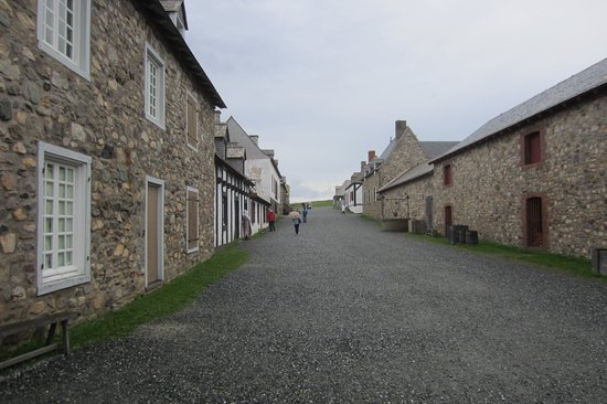Louisbourg, Canadá: One of the street views. Most buildings open to explore.
