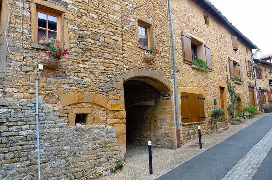 Oingt, فرنسا: Les Plus Beaux Villages de France