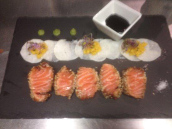 Lingolsheim, Frankreich: Tataki de saumon au sésame , radis blanc et perle passion
