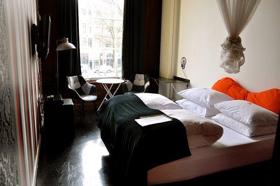 Mauro Mansion: Room 22