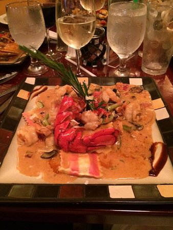 Palmyra, PA: Lobster with shrimp and crab ravioli