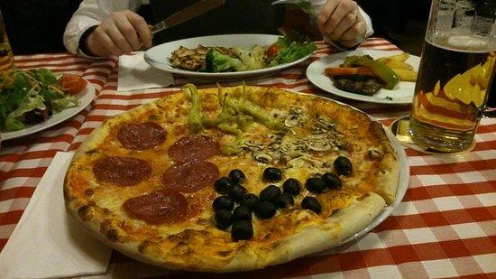quattro stagioni pizza olives salami mushrooms and. Black Bedroom Furniture Sets. Home Design Ideas
