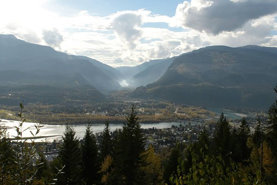 Mount Revelstoke National Park: Vista from one of the lookout points